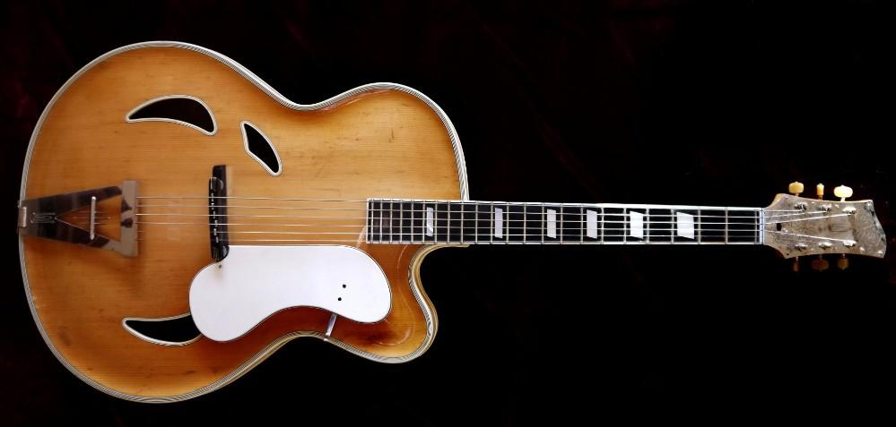 artur lang gitarre